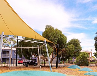 Harbrow Grove Reserve 20190107 Playground Swings 2