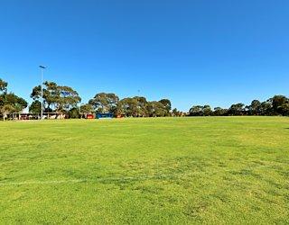 Marion Oval Western Field Cricket 3