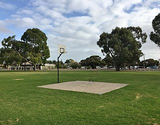 Dwyer Road Reserve Image 19