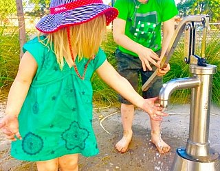 Esmrg Playground Water Play 1 Xb Zb