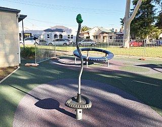 Glandore Oval Image 10