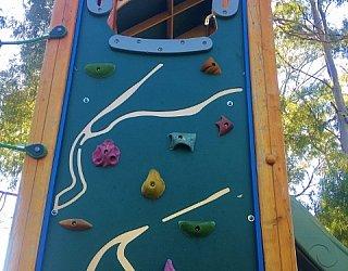Maldon Avenue Reserve Playspace Rockclimbing