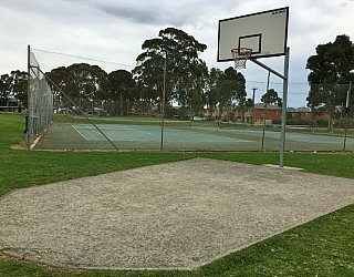 Mitchell Park Oval 3 On 3 Basketball