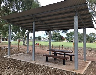 Mitchell Park Oval Picnic Table 3