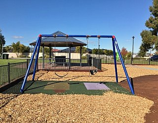 Southbank Boulevard Reserve Swings