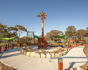 Hendrie Street Reserve Playground Facilities Pathway 1