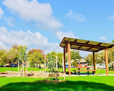 Ash Avenue Reserve Shelter Picnic 1