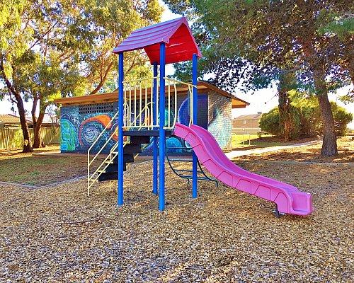 Nannigai Drive Reserve Slide 1