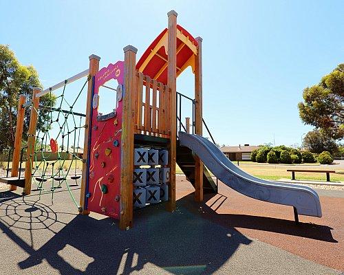 Spinnaker Circuit West Reserve Playground Multistation 3