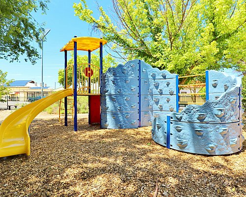 Elizabeth Ryan Reserve Playground Multistation 2