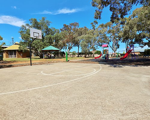 Graham Watts Reserve Sport Basketball 1