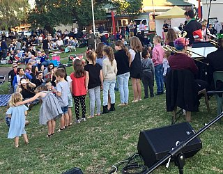 Glandore Carols 2017 Children Singing