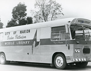 Mobile Bus 1976