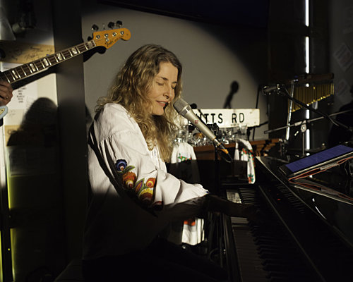 May show Victoria Carole King