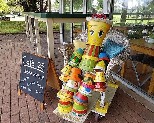 Glandore Cafe 25 Lollypop