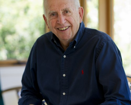 Hugh Mackay Head Shot