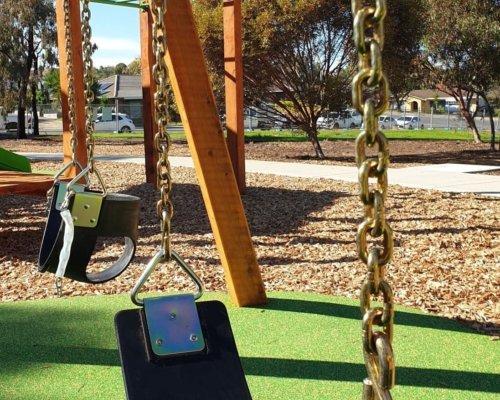 Nannigai Drive Reserve Swing
