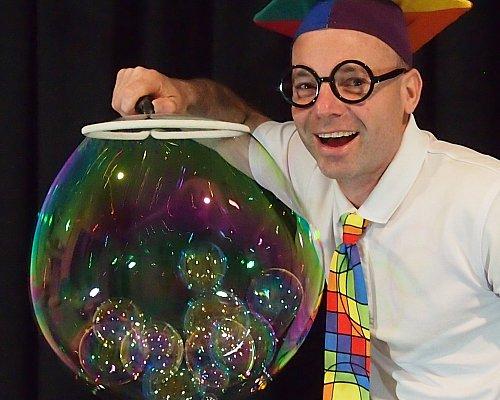 The NEW Scientific Bubble Show 15 12 20